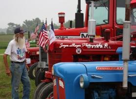 Frank Hrdina at tractorcade in Spillvillesc